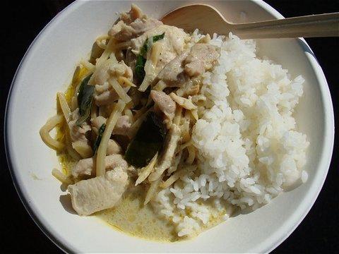大森 「タニ・キッチン」 のグリーンカレー